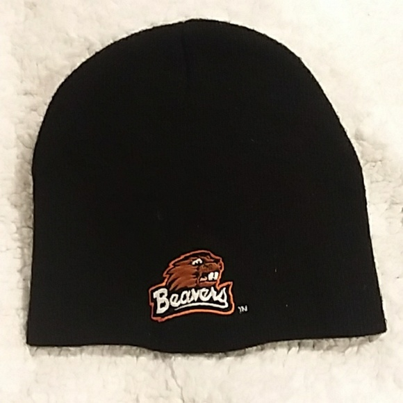 5f9c3f13ae6 Oregon State University Black Beavers Beanie Hat.  M 5a975c878290aff693589953. Other Accessories ...